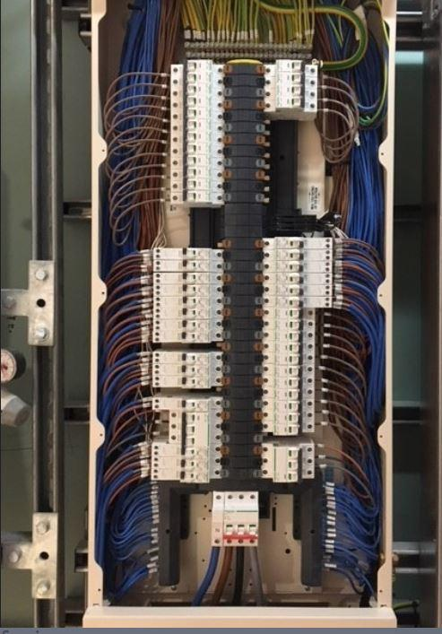 Image 20 - New 3 phase fuse-board
