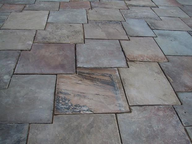 Image 27 - Reclaimed York stone laid in an overlap pattern