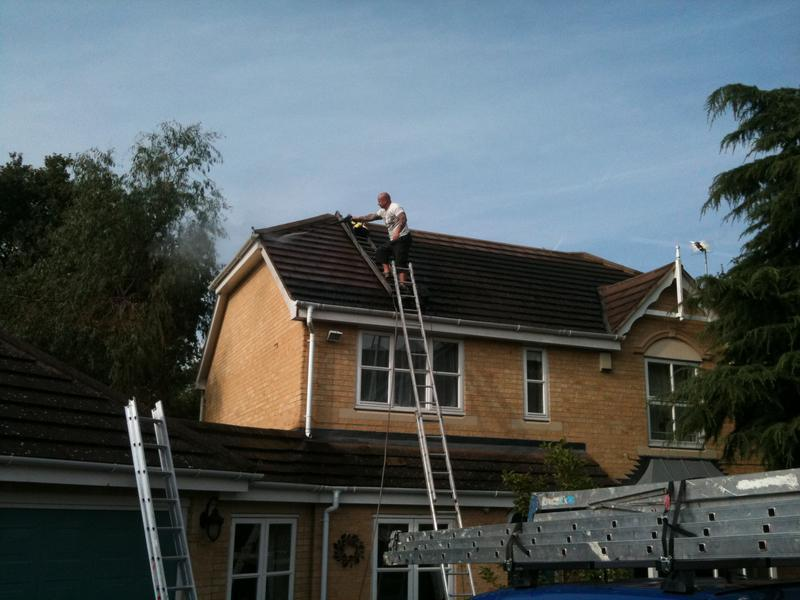 Image 3 - jet washing roof
