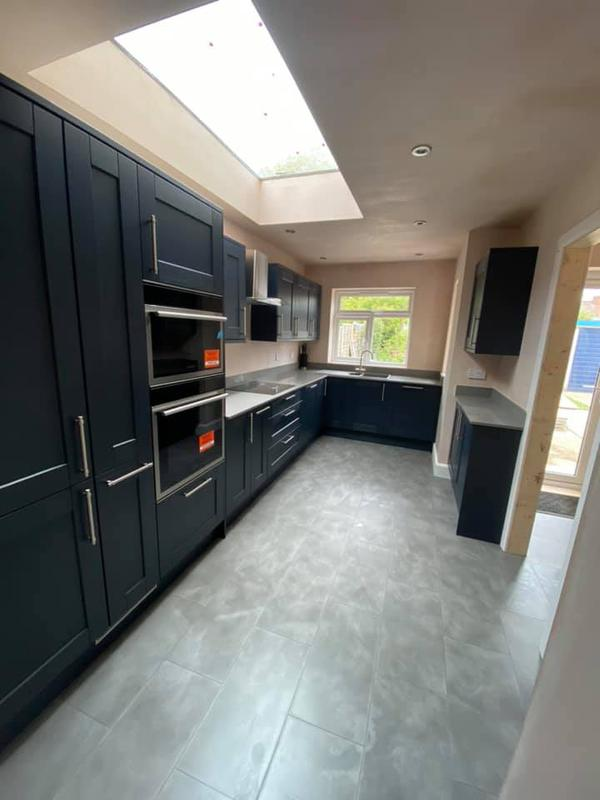 Image 120 - Kitchen with flat roof light