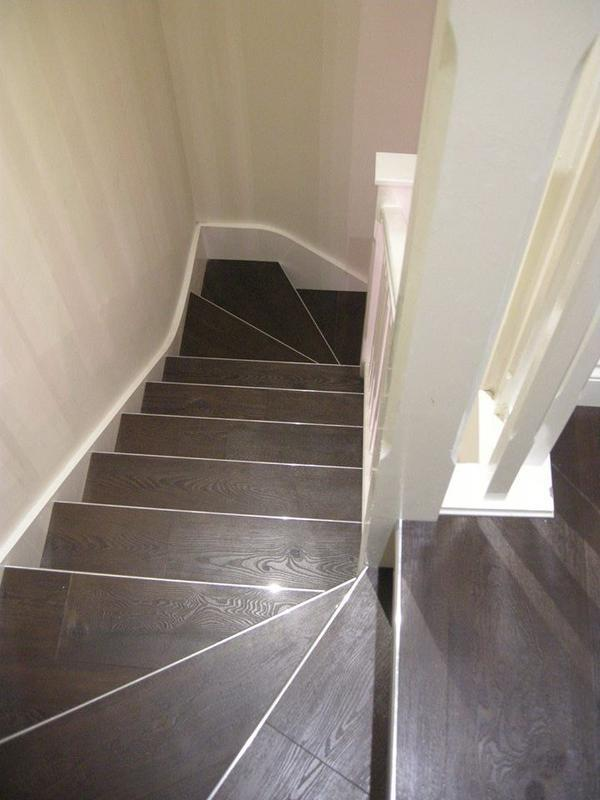 Image 49 - Stairs Finished with Silver Trim