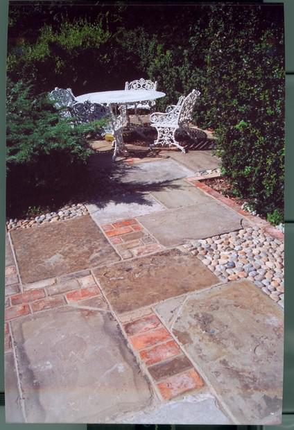 Image 31 - Mixed paving Terrace