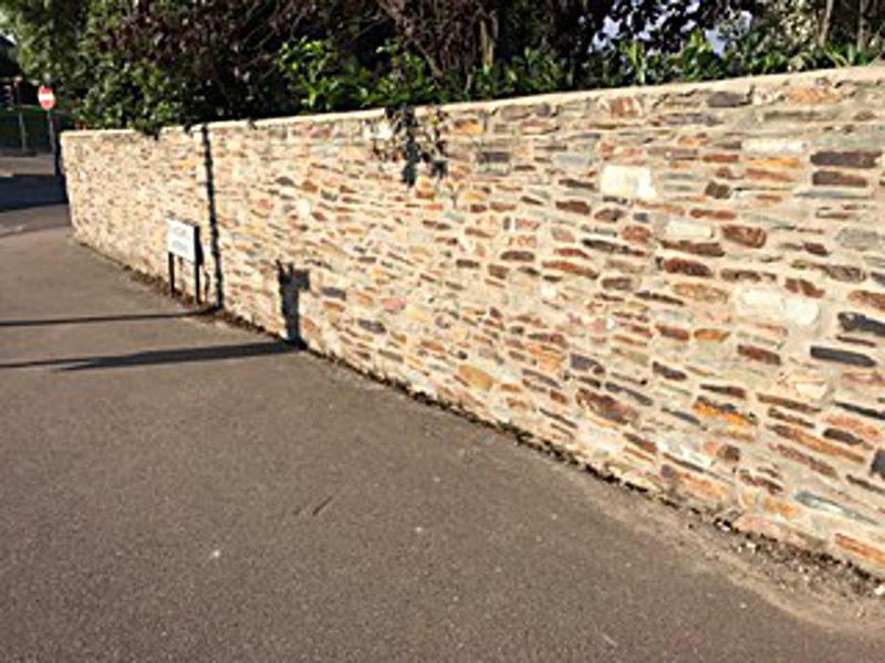 Image 35 - A Cornish stonewall project