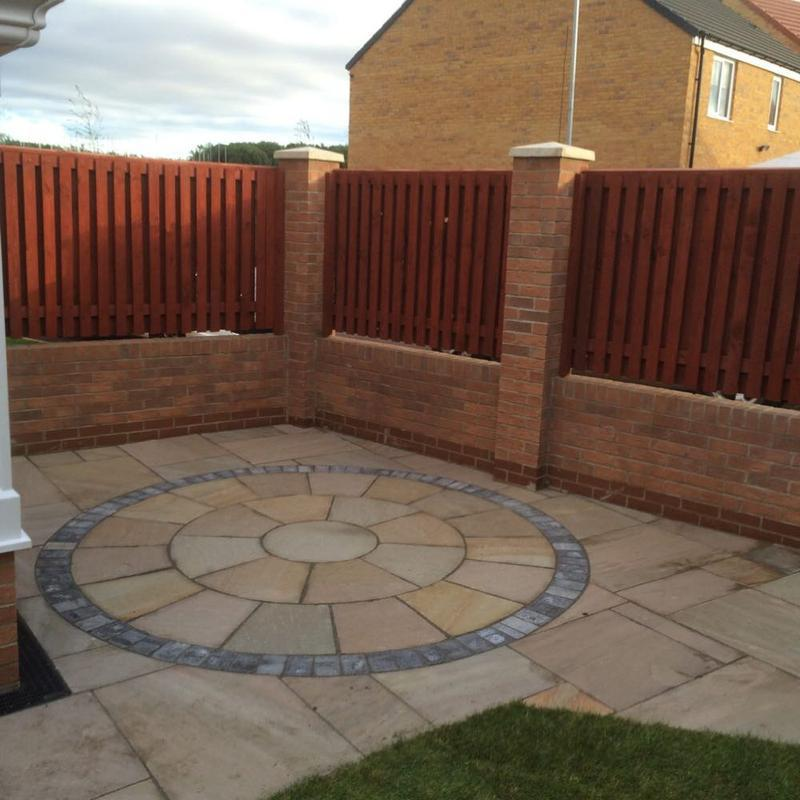Image 5 - Natural Sandstone patio with circle inset