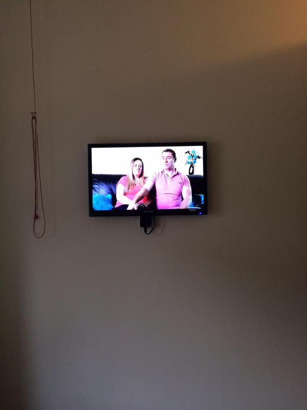 Image 29 - lcd & led tv wall mounting installation services