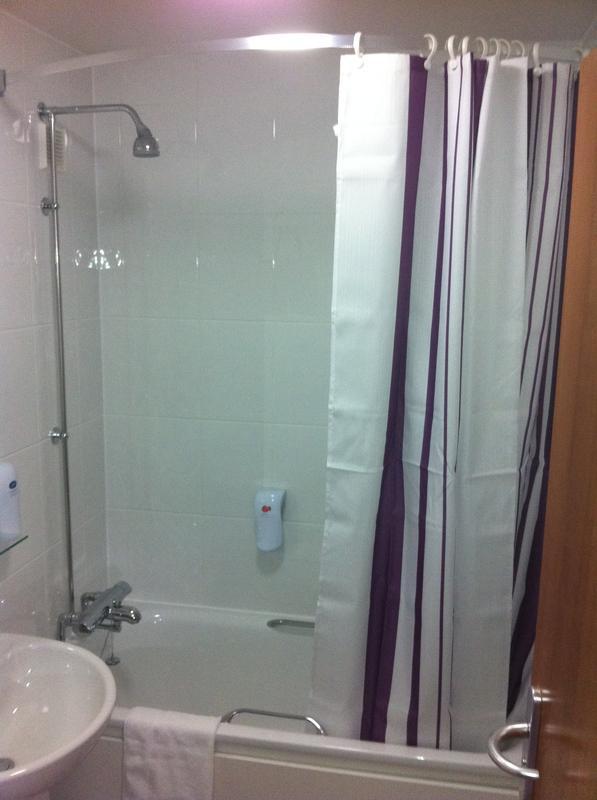 Image 13 - Example Of Finished Hotel Bathroom