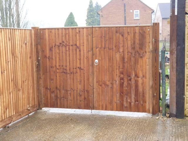 Image 12 - Double-leaf Closeboard Gates