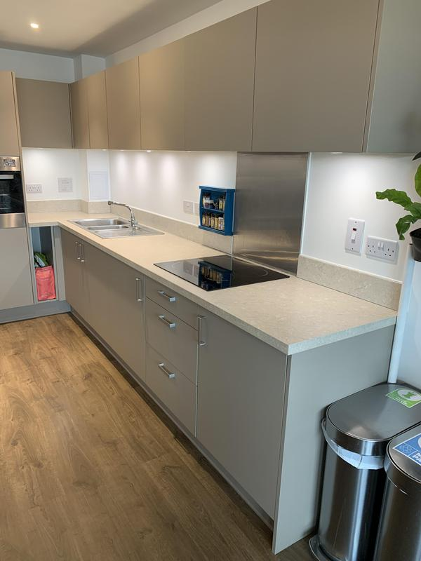 Image 12 - Just finish to change the new worktop