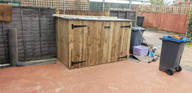 Image 17 - Bespoke bike shed