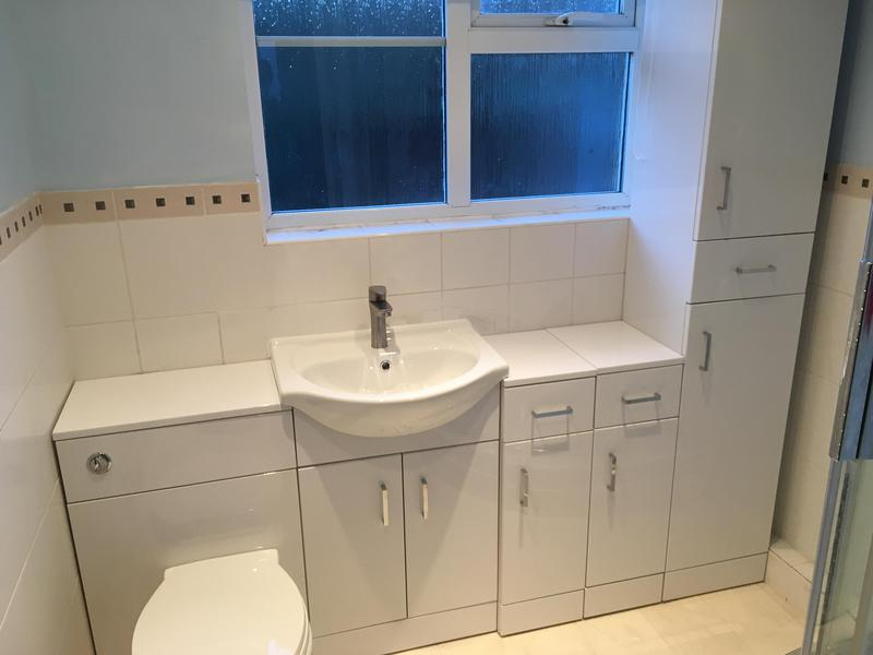 Image 29 - A new replacement ensuite toilet and sink with storage.