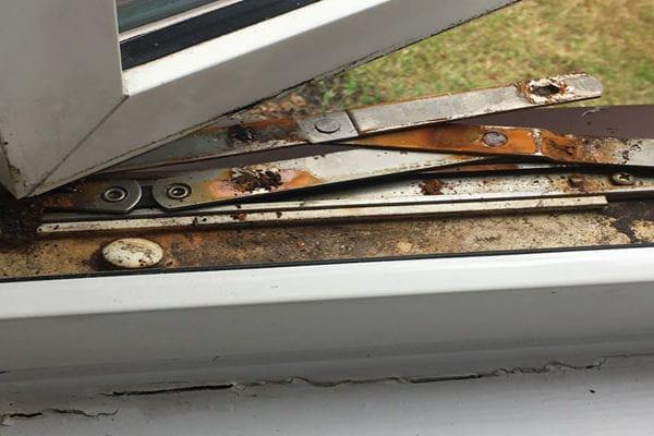 Image 12 - faulty window hinge replacement