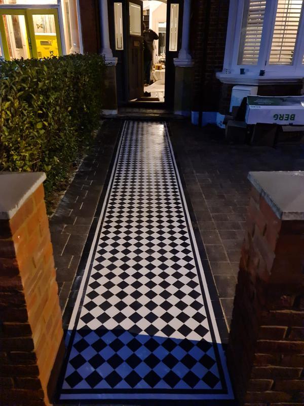 Image 36 - Mosaic pathway