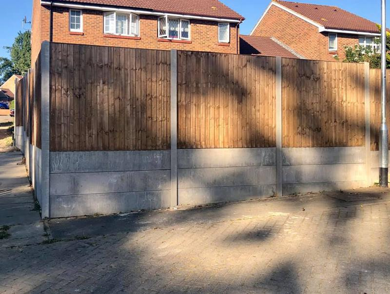 Image 28 - Close board fencing with concrete posts and gravel boards