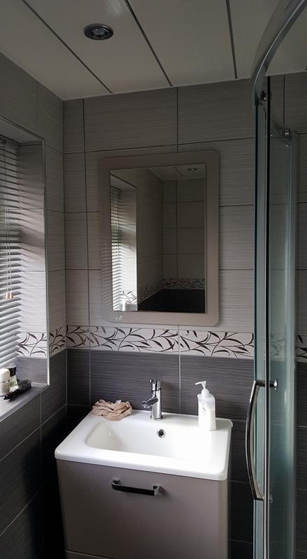 Image 67 - bathroom tiling and sinks