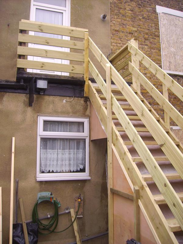 Image 8 - external staircase with balcony