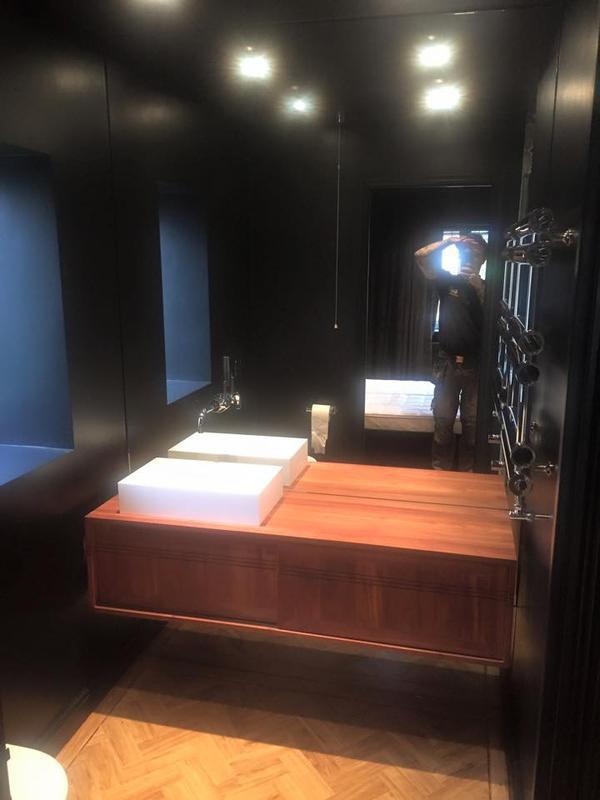 Image 18 - Bespoke en suite