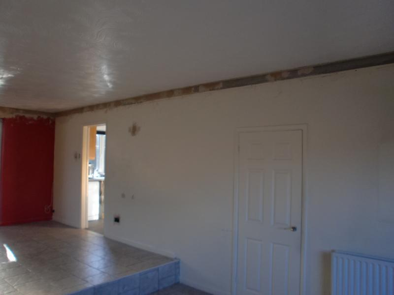 Image 20 - Same room as before