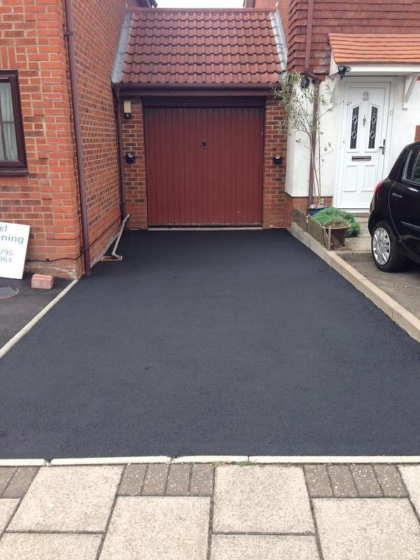 Image 26 - Tarmac drive cleaned and restored to make bran new again!