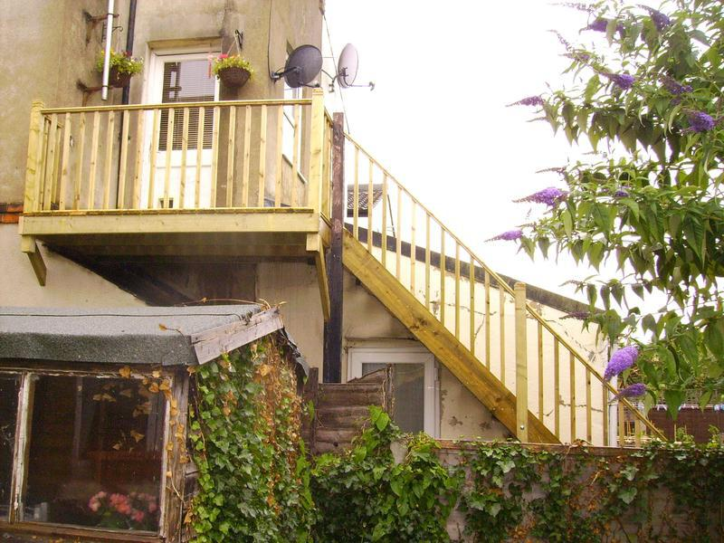 Image 9 - external staircase with balcony