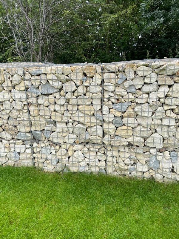 Image 11 - Stone Wall.