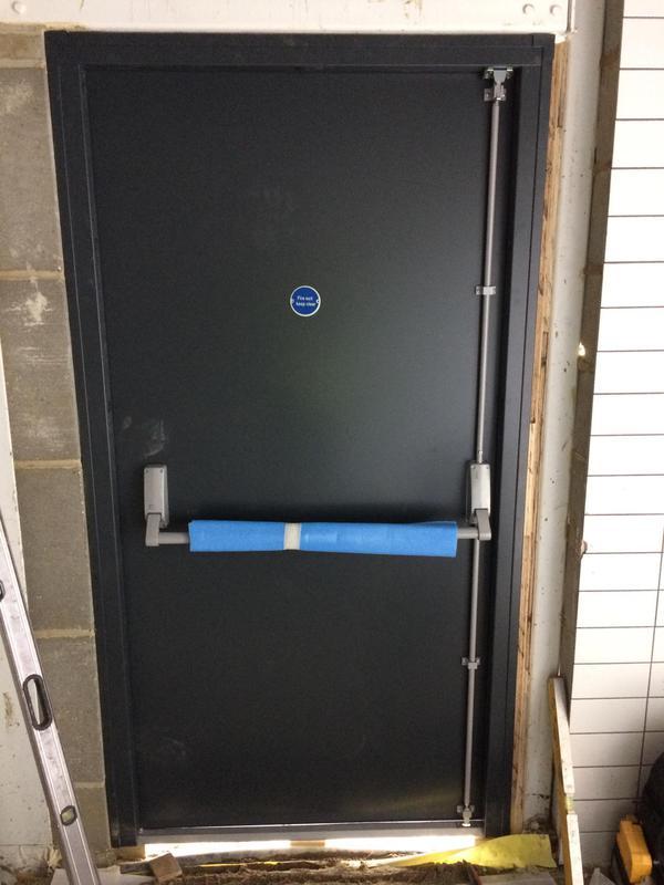 Image 35 - Single door set