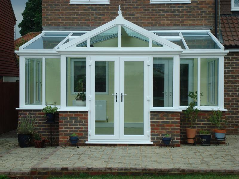 Image 9 - T Shaped UPVC Conservatory Goldseal