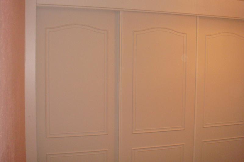Image 11 - SLIDING DOOR WARDROBES
