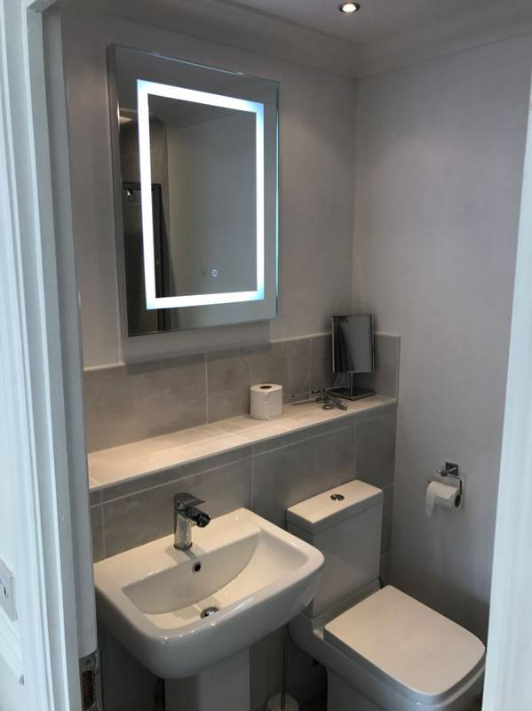 Image 20 - sink view