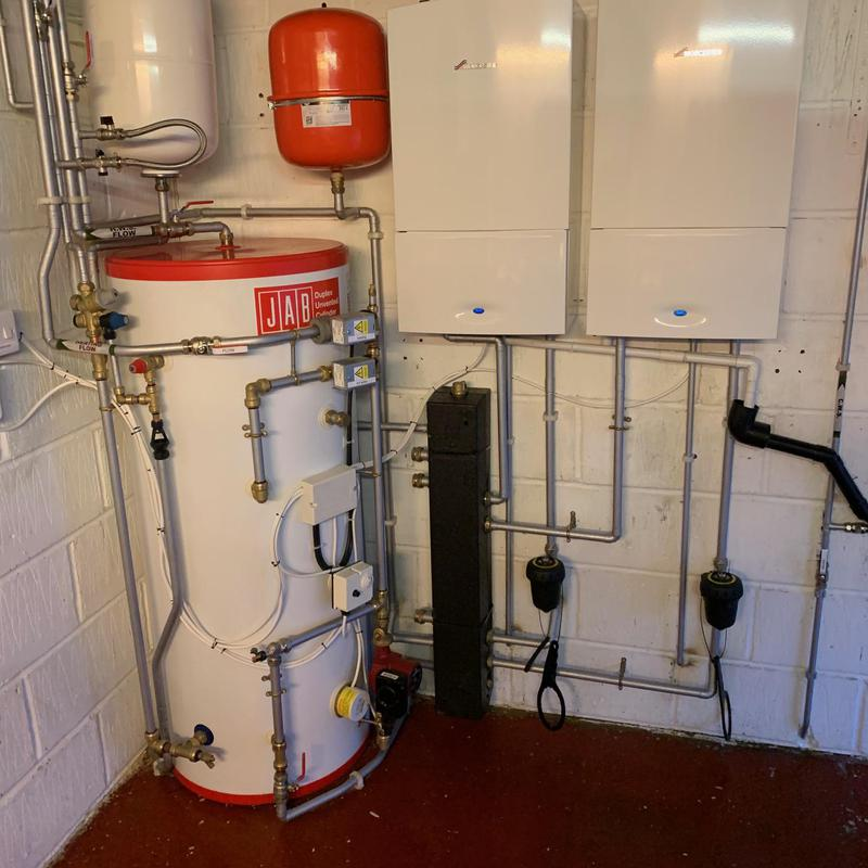 Image 5 - 2x Worcester Bosch Compact I system 30kw boilers & 250Ltr unvented hot water cylinder