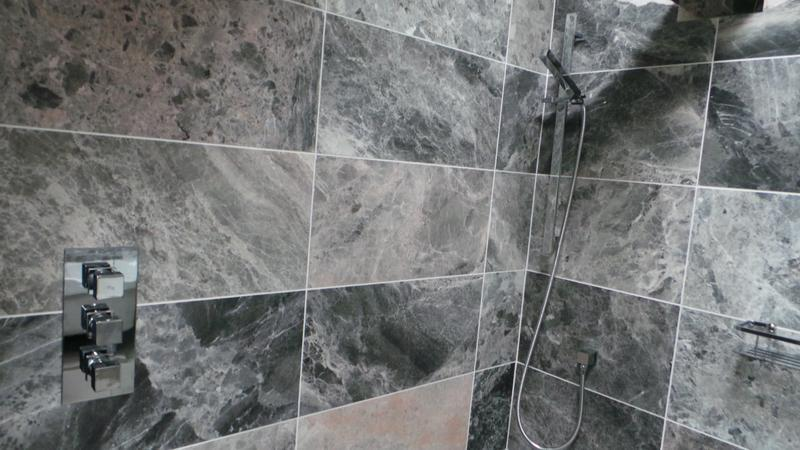 Image 17 - Bathroom (Doddinghurst)