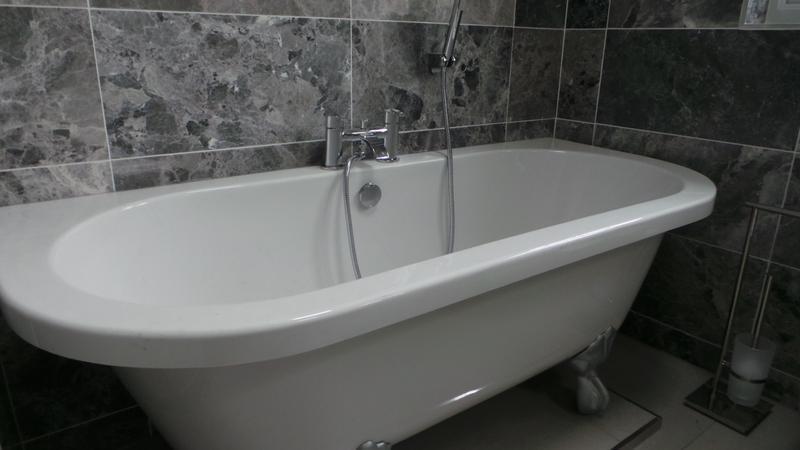 Image 22 - Bathroom (Doddinghurst)