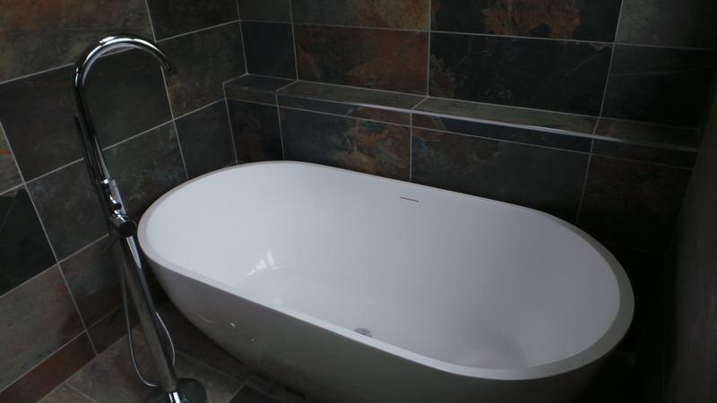 Image 26 - Bathroom (Doddinghurst)