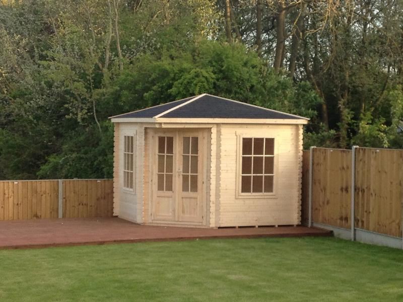 Image 12 - Small summer house