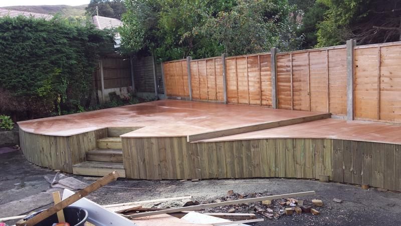 Image 4 - Raised garden platform: