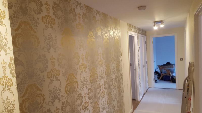 Image 132 - Wallpapering done in E14