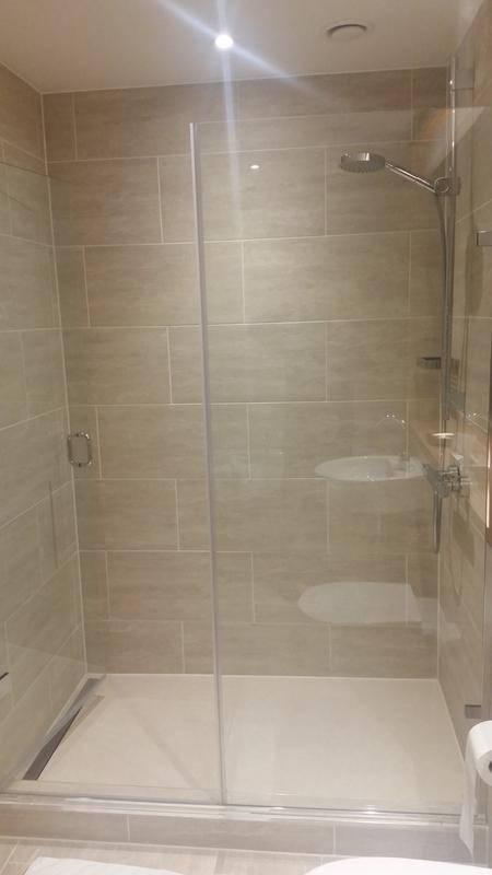 Image 15 - Large modern shower cubicle