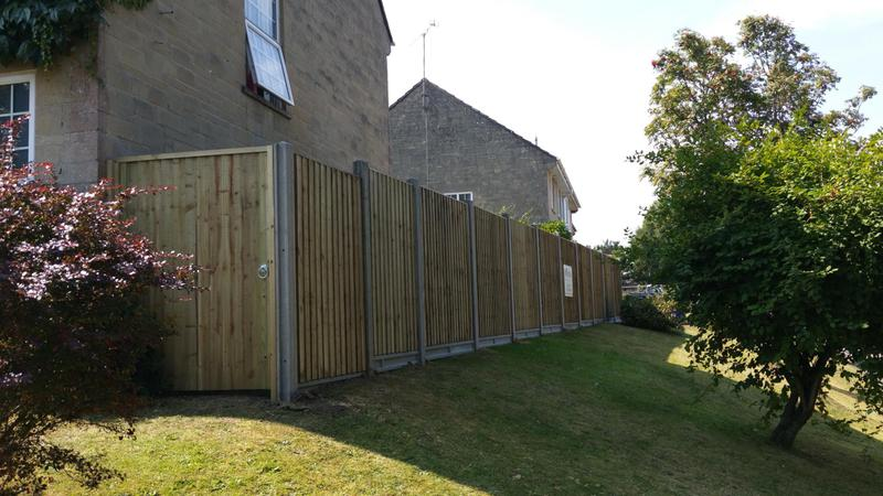 Image 104 - Closeboard fencing with concrete posts and gravel boards