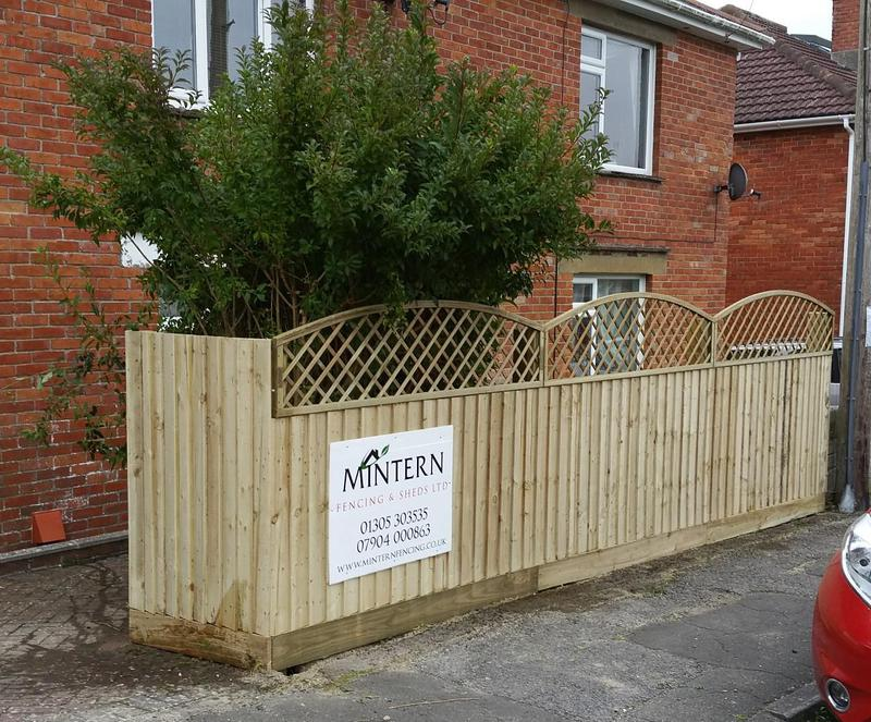 Image 108 - New fencing with additional privacy trellis