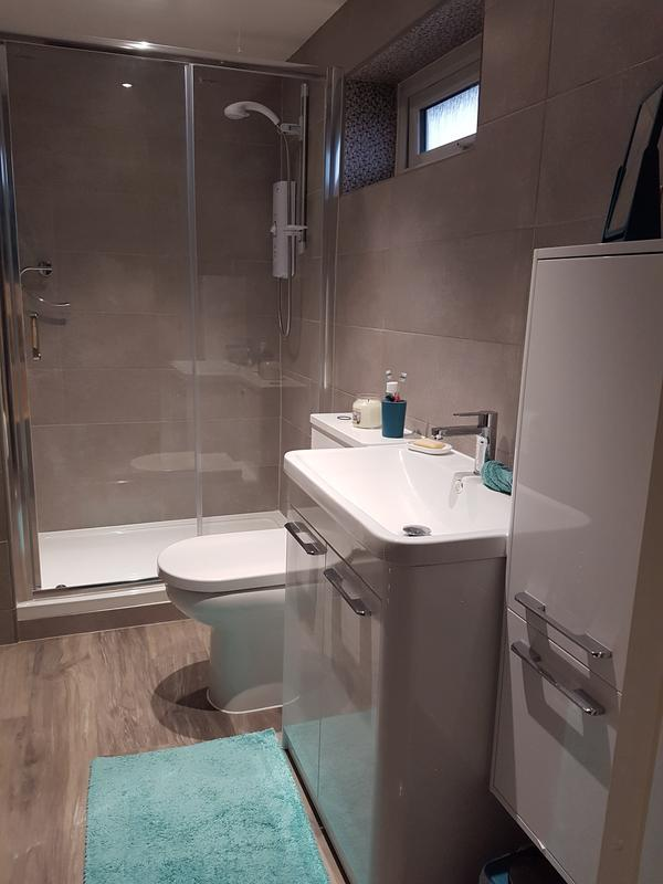 Image 6 - Ensuite Shower Room