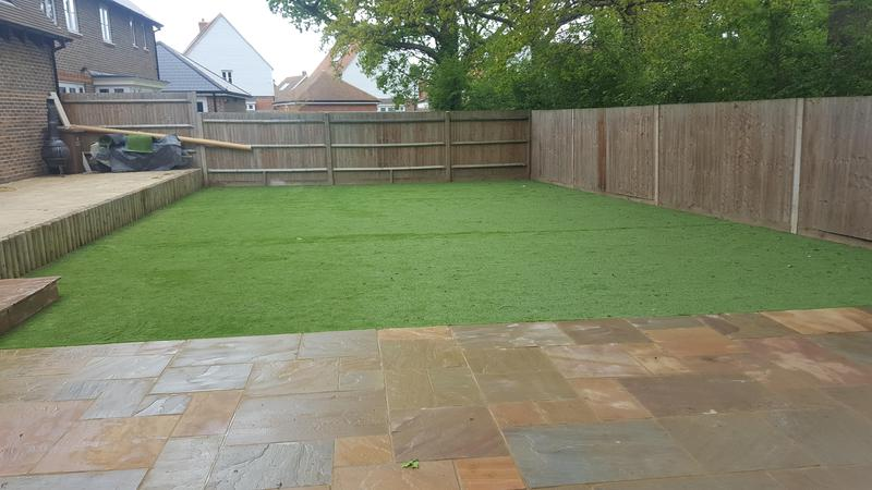 Image 36 - approx 100m2 fake grass