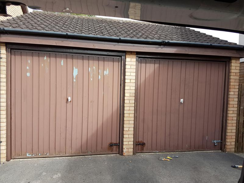 Image 45 - Metal garage doors