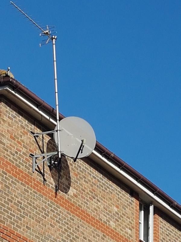 Image 4 - Aerial & satellite awaiting replacement fixings & LNB failed