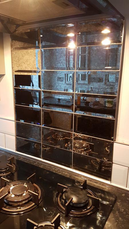 Image 22 - Glass metro cooker splash