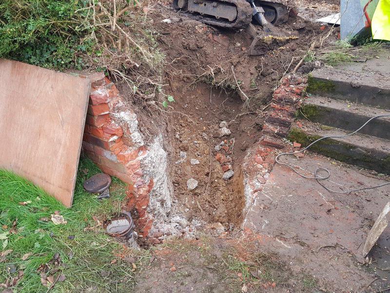 Image 4 - Rebuild knock down garden wall