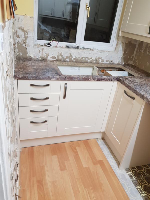 Image 85 - Wren kitchen