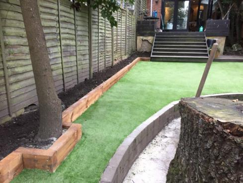 Image 121 - Artificial Lawn Installation