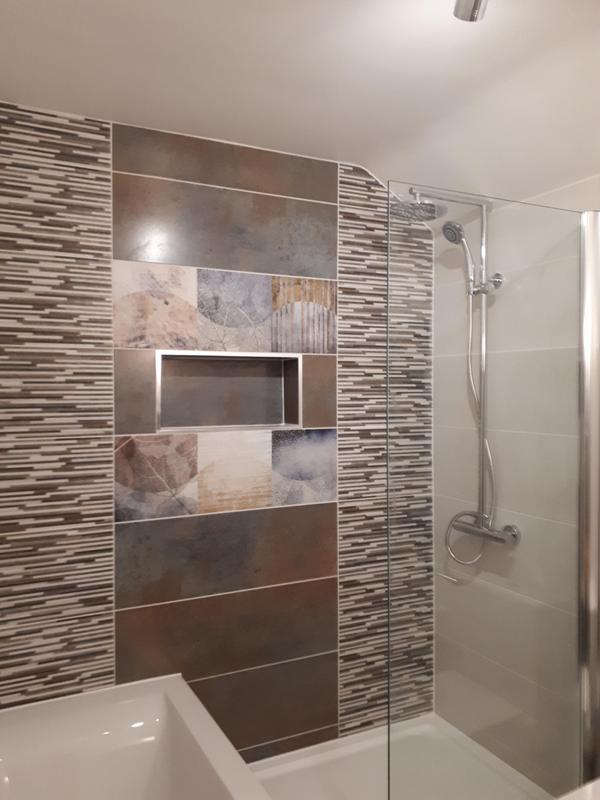 Image 28 - Unique bathroom installation Kilbirnie