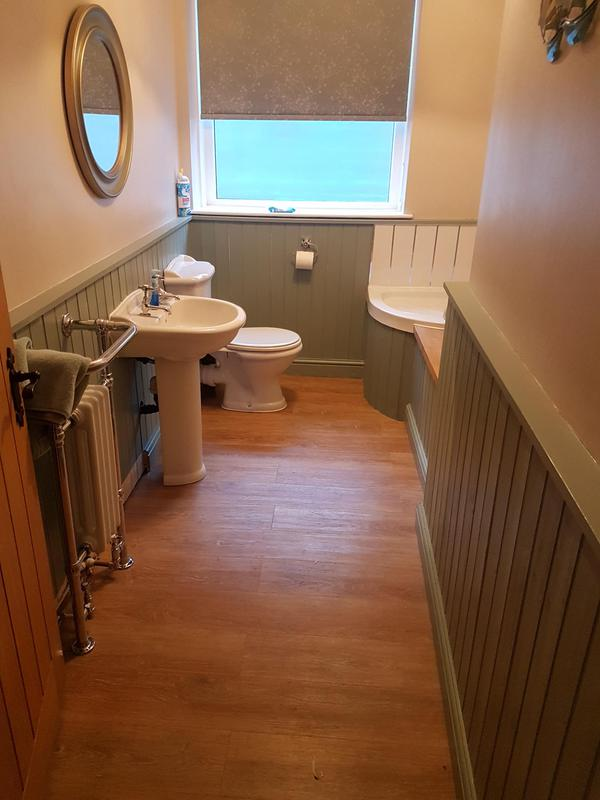 Image 24 - Cloakroom with Pet Shower