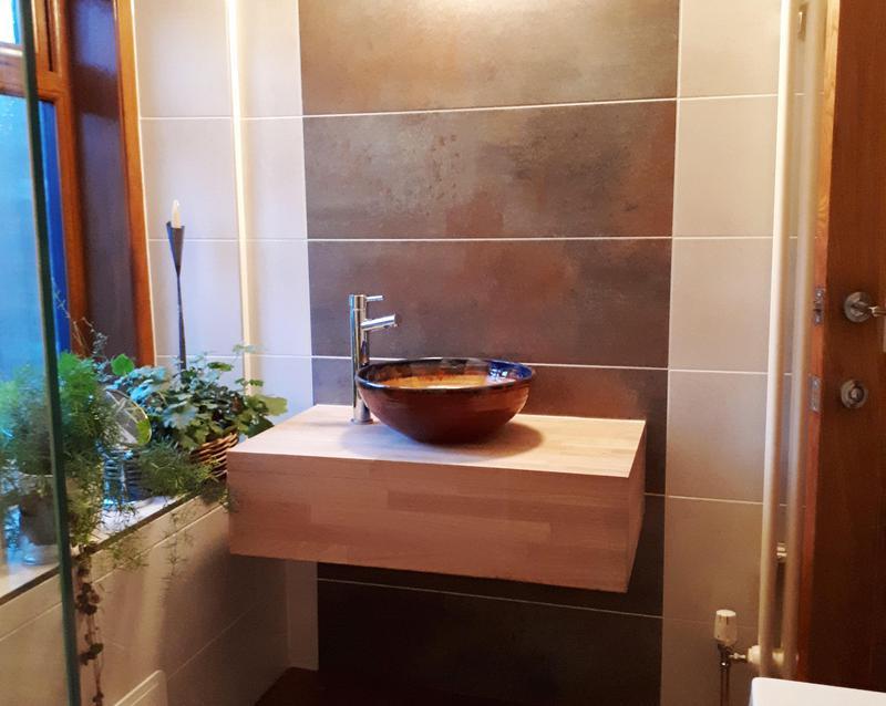 Image 32 - Unique bathroom installation Kilbirnie