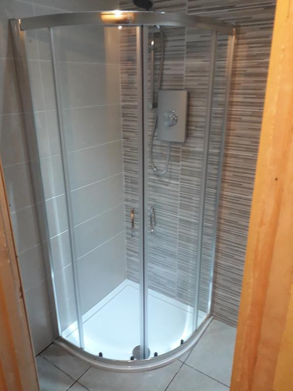 Image 38 - Installation of shower enclosure